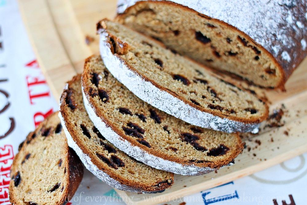 Mango chocolate bread from Roxanashomebaking.com