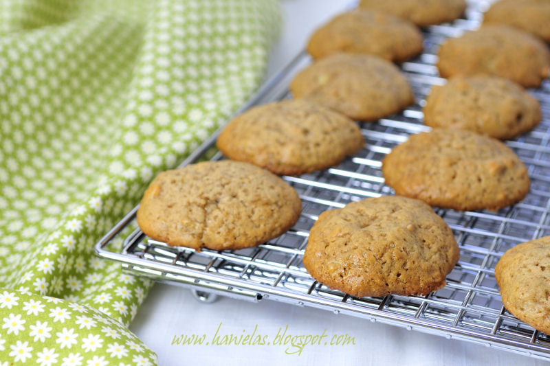 Banana Drop Cookies | Roxanashomebaking.com