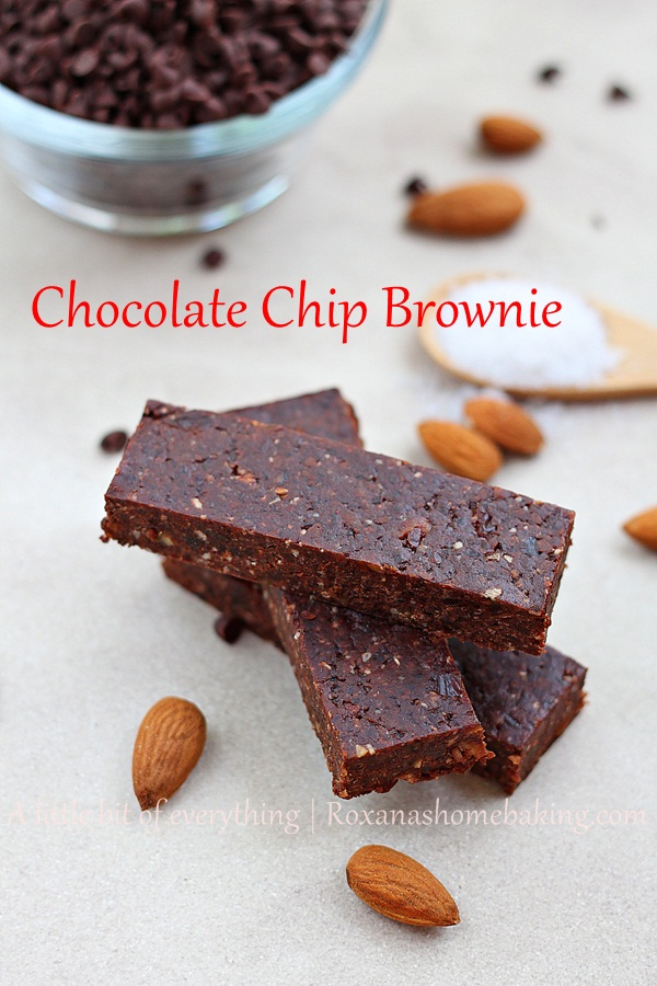 Homemade chocolate chip brownie energy bar, made with dates, nuts and chocolate chips. #Healthy #Glutenfree #Vegan Recipe from Roxanashomebaking.com