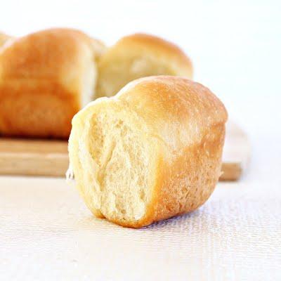 Homemade butter dinner rolls from Roxanashomebaking.com