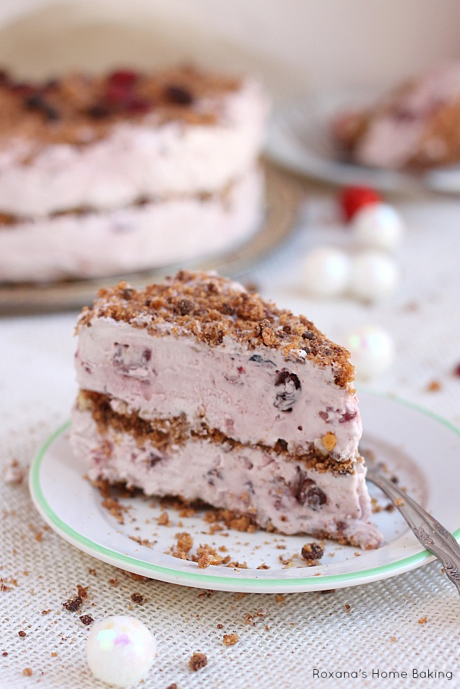 No bake Christmas fruit cake. Only 6 ingredients needed!