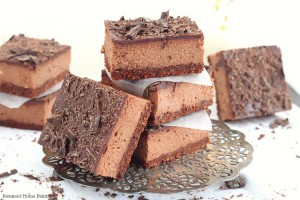 Cocoa chocolate cheesecake bars