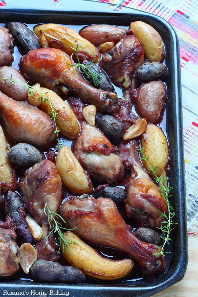 Slow baked red wine chicken with fingerling potatoes recipe from Roxanashomebaking.com