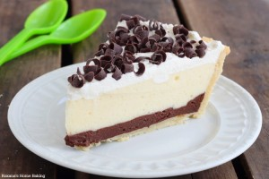 Chocolate and vanilla pudding pie